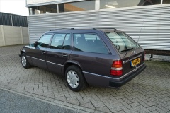 Mercedes-Benz-200-serie-3