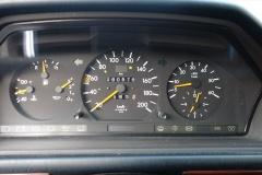 Mercedes-Benz-200-serie-11