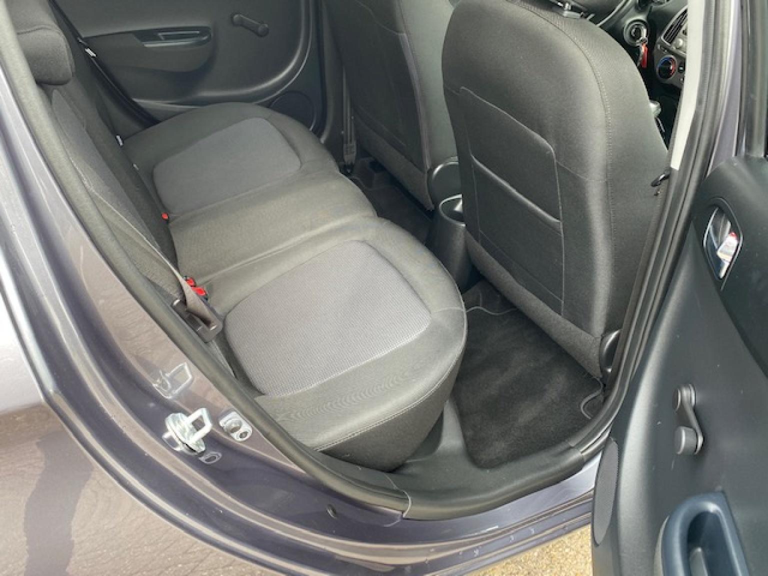 Hyundai-i20-20