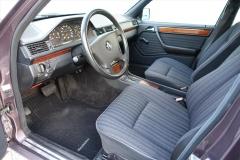 Mercedes-Benz-200-serie-9