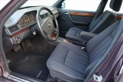 Mercedes-Benz-200-serie-12