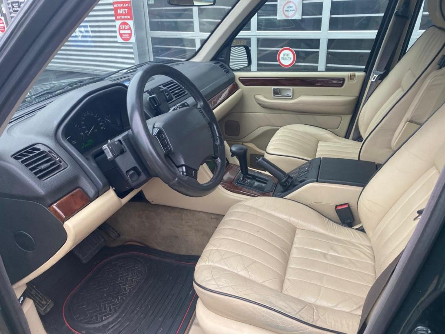 Land Rover-Range Rover-10