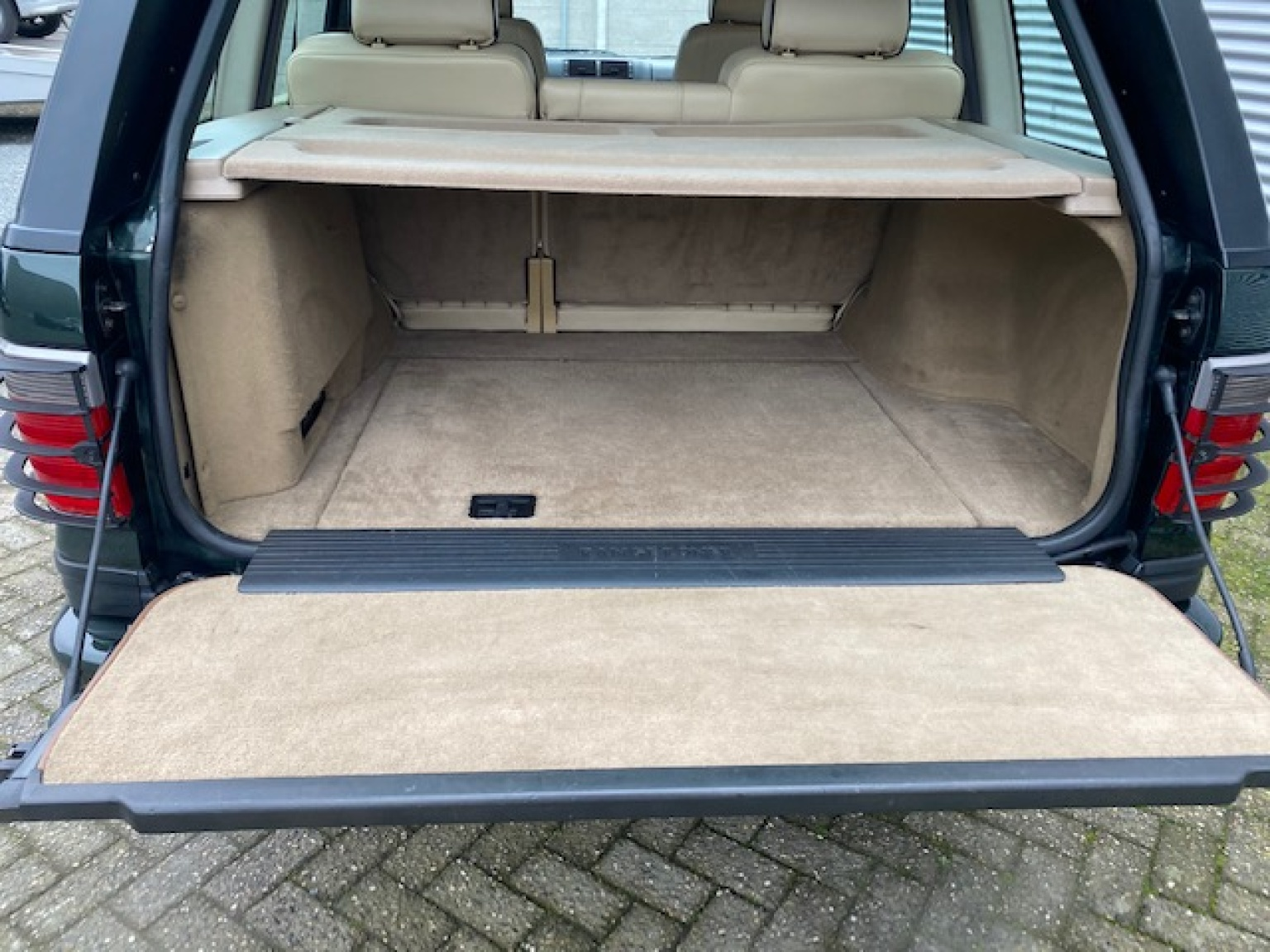 Land Rover-Range Rover-36