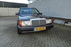Mercedes-Benz-200-serie-1