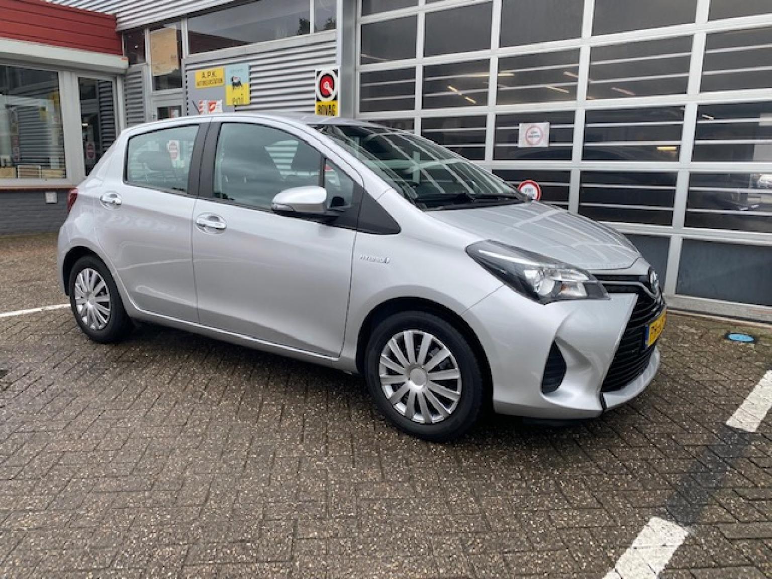 Toyota-Yaris-3
